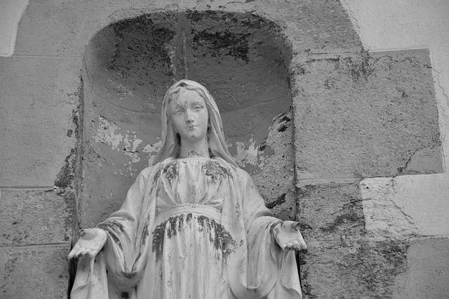 Pomnik Matki Bożej