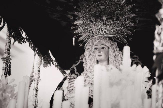 Maryja w koronie