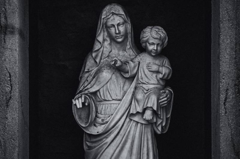 posąg Matki i Syna