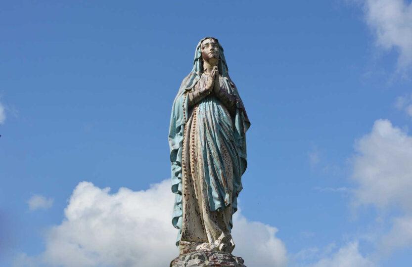 statua Matki Bożej
